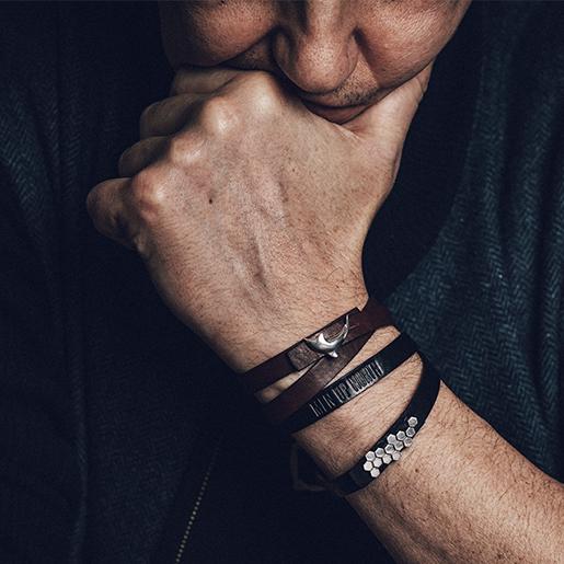 Mun bracelets back1